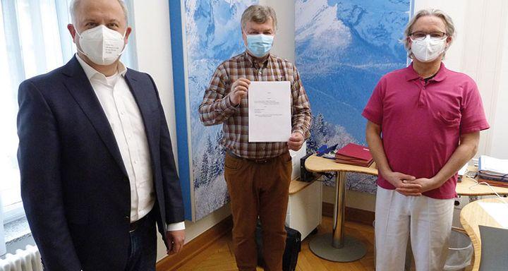 (von links) Vorstand Mathias Rauwolf, Personalleiter Berthold Remiger und Ärztlicher Direktor Dr. Johannes Roth