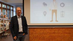 Chefarzt Dr. Friedrich Jungblut referiert zum Thema Demenz im Krankenhaus Eichhof