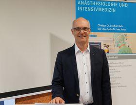 Die zahlreich erschienenen Zuhörer bescheinigten dem Chefarzt der Anästhesiologie und Intensivmedizin Dr. Norbert Sehn eine hohe fachliche Expertise.