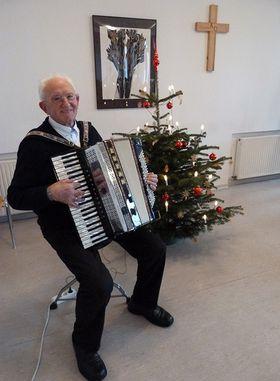 Georg Faust gestaltete die musikalische Umrahmung.