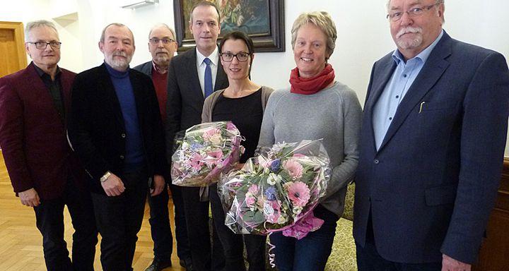 Vorstandsvorsitzender Hans-Jürgen Schäfer, Hanne Steuernagel, Serpil Memic, Dr. Christof Erdmann, Volker Christe, Manfred Dickert und Hans-Georg Stoll. (von rechts)