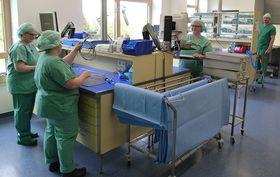 Die Sterilisation am Krankenhaus Eichhof ist vollständig neu eingerichtet worden und teilt sich auf in einen unreinen sowie einen reinen Bereich (Foto) und einen Bereich nach der Sterilisation.