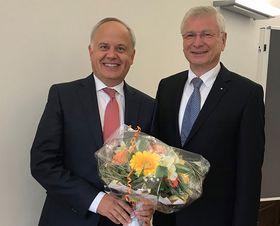Mathias Rauwolf (links) ist neuer hauptamtlicher Vorstand der Lauterbacher Eichhof- Stiftung.