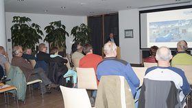 """Chefarzt Dr. Rüdiger Hilfenhaus referierte zum Thema """"Chirurgische Therapie der Leisten- und Bauchwandbrüche"""""""