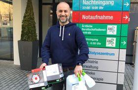 Cengiz Kahraman spendet 35 professionelle Filtermasken und einen Fünf-Liter- Kanister Händedesinfektionsmittel.