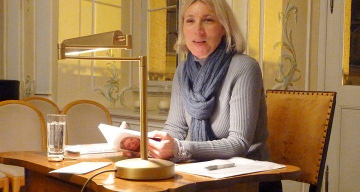 Christiane Wirtz im Rokoko-Saal des Hohhaus Museums in Lauterbach