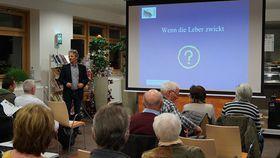 Dr. Johannes Roth nahm sich Zeit, auf die vielen Fragen aus dem Auditorium zu antworten.