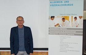 Dr. Rüdiger Hilfenhaus ist nicht nur medizinisch ein hochkarätiger Ansprechpartner, auch seine rhetorischen Fähigkeiten mit verständlichen Informationen wurden vom Publikum honoriert.