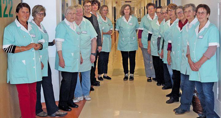 Eichhof-Damen & Herren kümmern sich mit Einfühlungsvermögen und menschlicher Wärme um Patienten.
