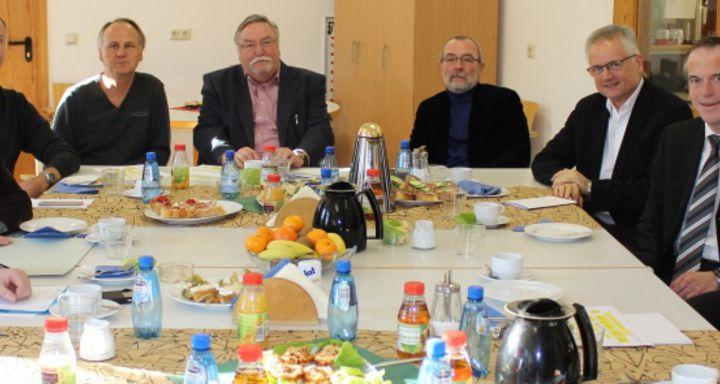 Vizelandrat Dr. Mischak informiert sich über die Arbeit der Vogelsberger Lebensräume
