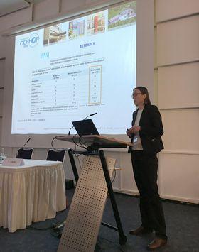 Dr. Ines Josek präsentierte ihre Erfahrungswerte einer großen Zuhörerschaft.