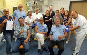 In der Notaufnahme am Krankenhaus Eichhof fanden sich Chefärzte, Verwaltungsdirektion, Bereichsleitungen und andere Mitarbeiter ein, um sich rechtzeitig vor der neuen Influenza-Saison impfen zu lassen.