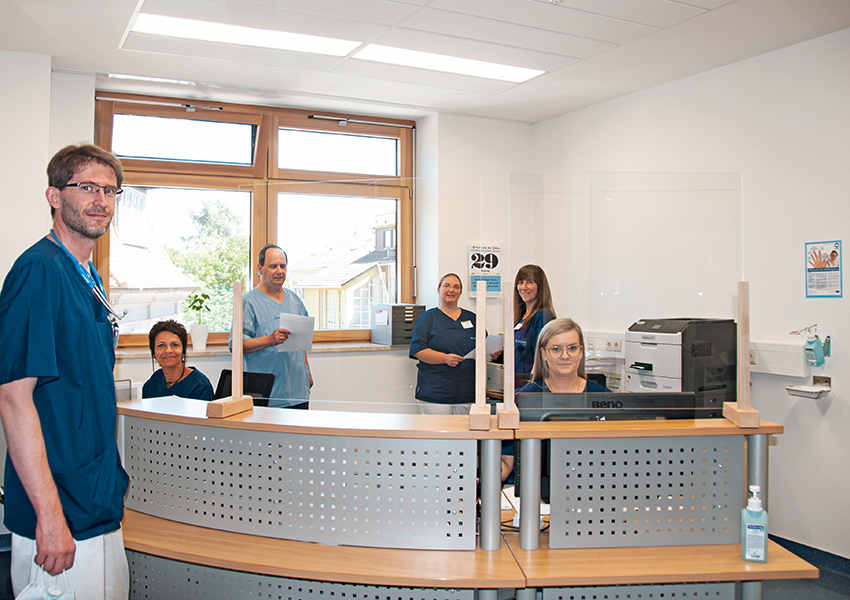 Dr. med. Felix Müller, Carmen Renker, Josef Wzatek, Pamela Kares, Stefanie Althaus, Olga Weizel (von links)