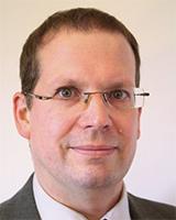 Chefarzt Tobias Plücker